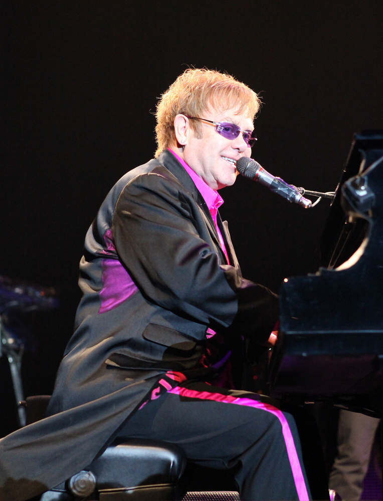 Elton John & Billie Jean King Raise $700K for AIDS Support