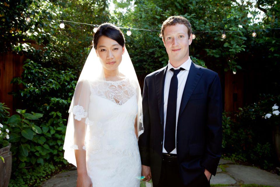 Zuckerbergs named top 2013 US philanthropists