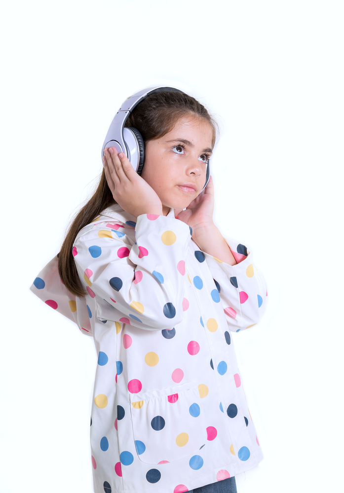 how to support hearing impared student