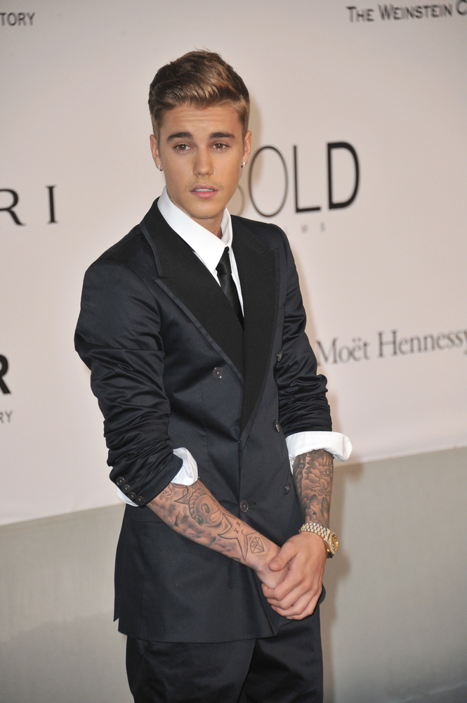 Justin Bieber Wins Champ Of Charity Award